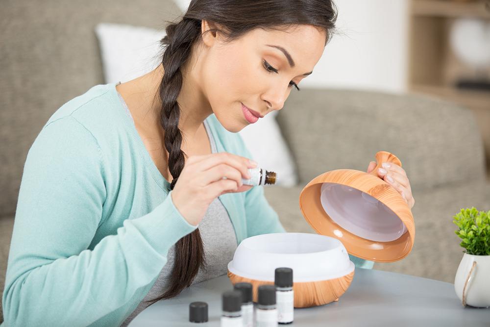 Mettez l'huile essentielle confiance en soi dans un diffuseur pour un effet optimal