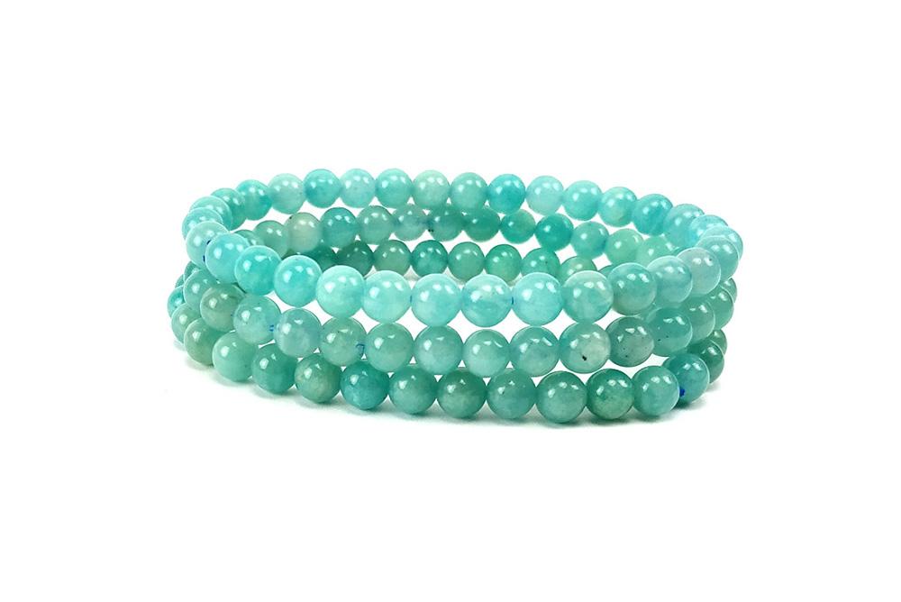 Quelle pierre pour la confiance en soi ? Un bracelet en amazonite